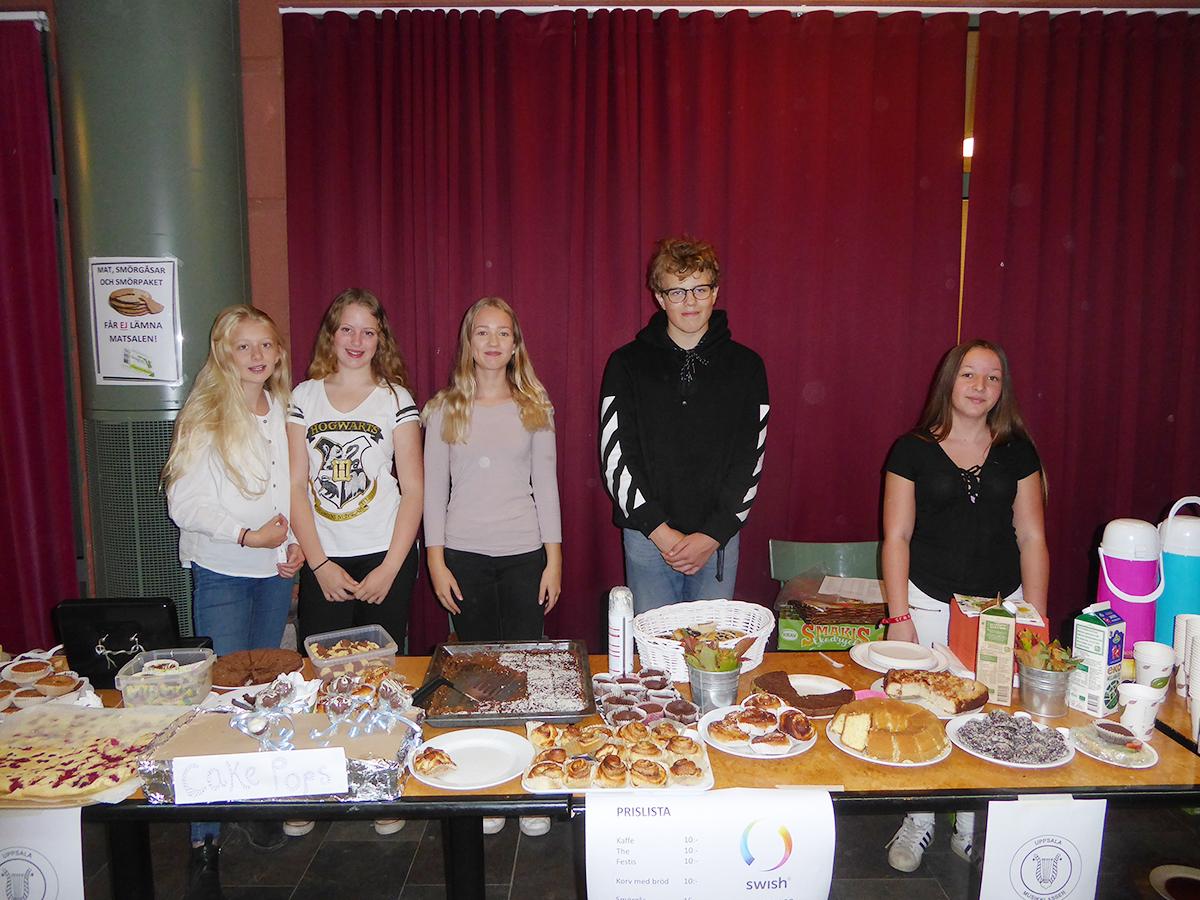 Uppsala Musikklassers elever sålde hembakat.